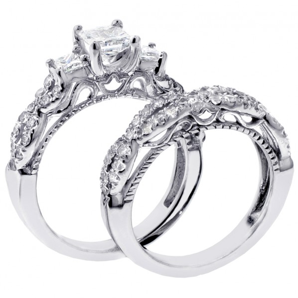 3 stone princess cut engagement rings