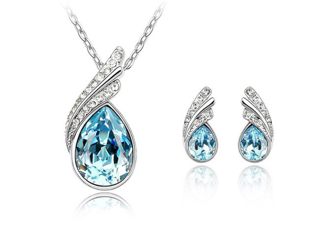 aquamarine necklace and earring set