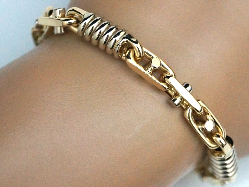 Buying Men\'s Gold Bracelets | Jewelry Design Blog
