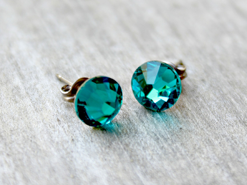 titanium earrings for sensitive ears