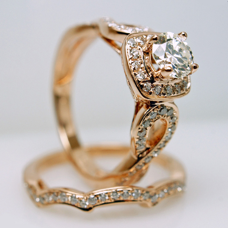 Elegant Performance with the Vintage Engagement Ring