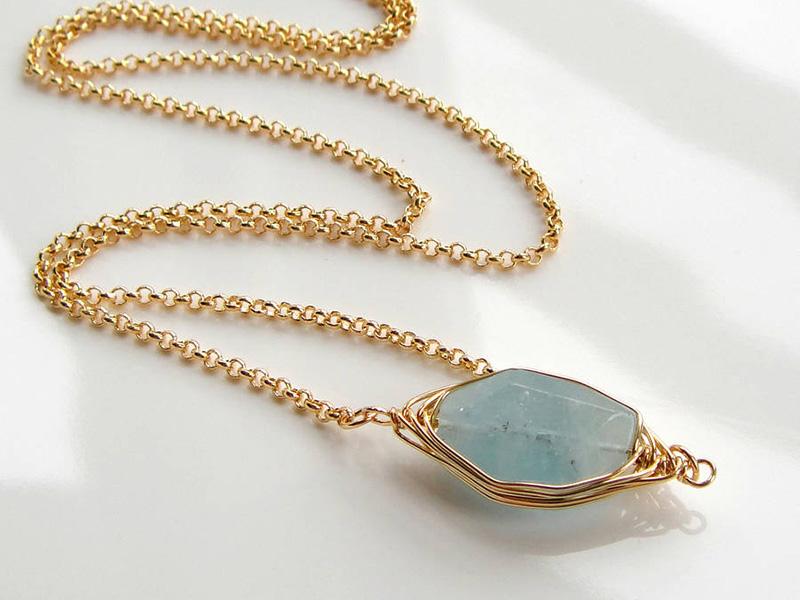 gold aquamarine necklace
