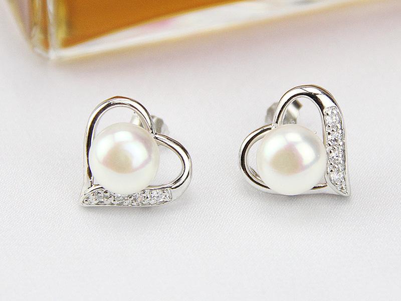 pearl and diamond stud earrings