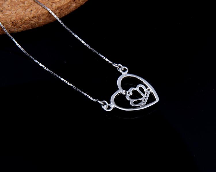 silver heart necklaces