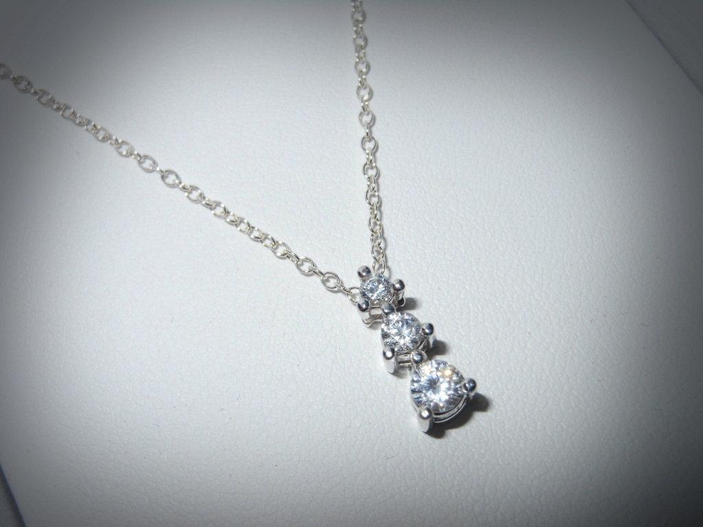 simple diamond necklaces